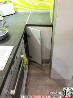 K015 - Кухня: Бял гланц, Grey Pietra Marble, Дъга_6