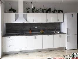 K001 - Кухня: Бял лак, Дъб джаксън_1
