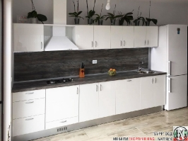 K001 - Кухня: Бял лак, Дъб джаксън_2