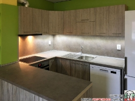 K005 - Кухня: Dark Astwood, Зелен пастел, F049 и PS54_7